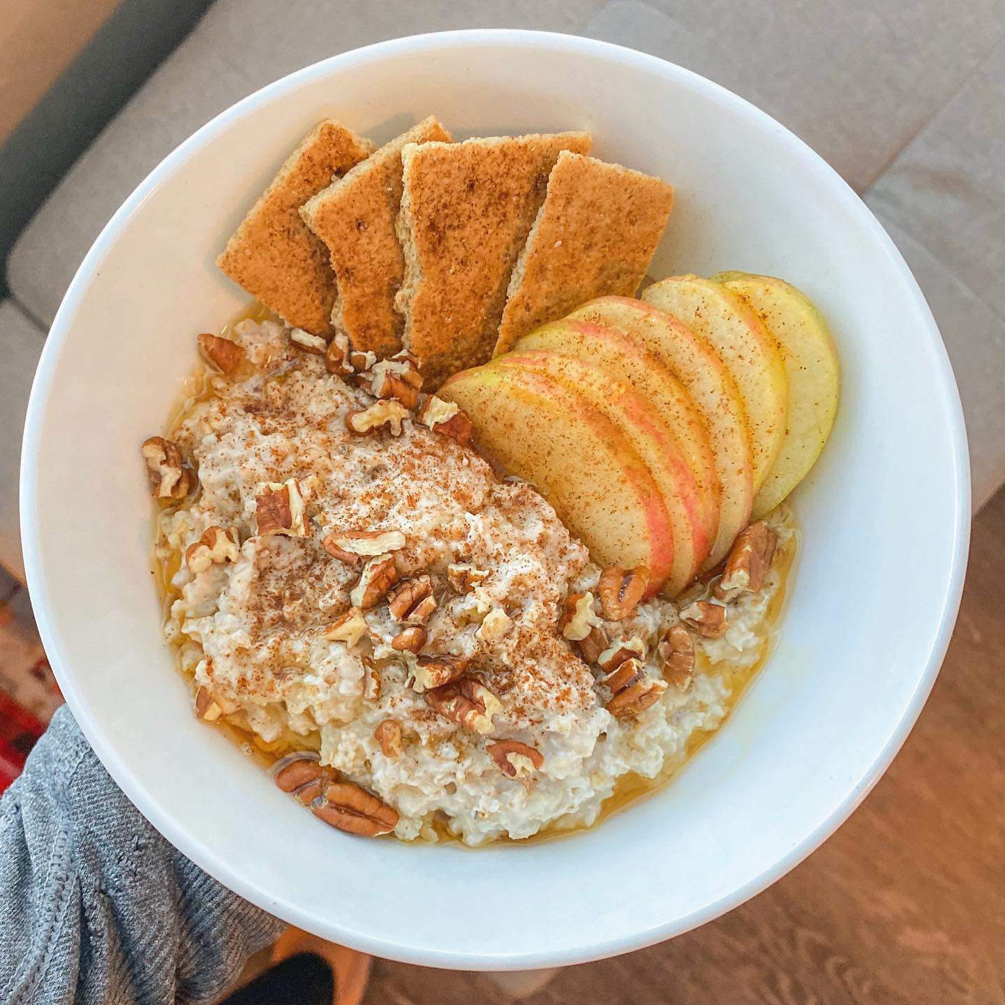 Maple Syrup, Apple, Pecan, and Graham Cracker Oatmeal